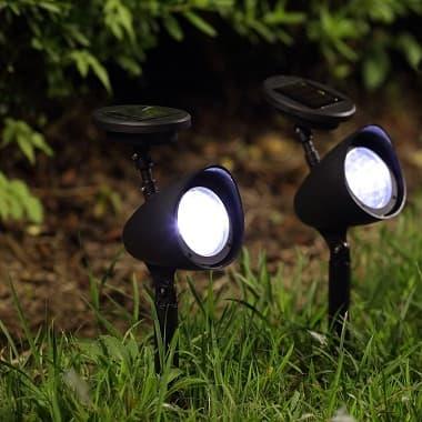 solar spot light 5 lumens plastic 2