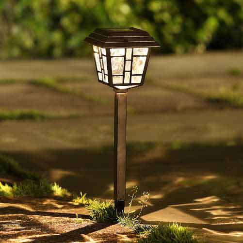 solar-bronze-path-light
